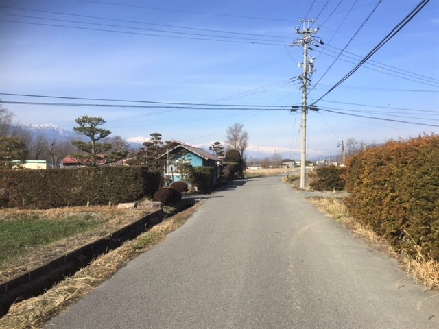 前面道路(南側から北側方向)H30.12撮影