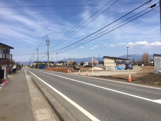 前面道路・南西側から北東 H31.4撮影