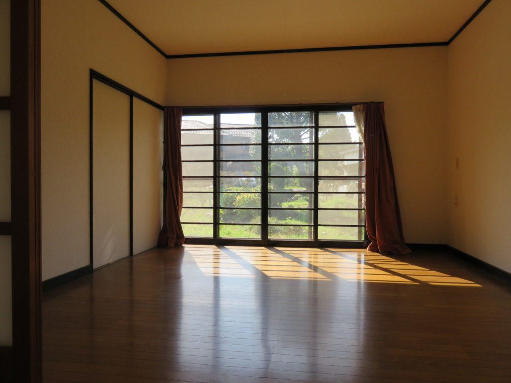 明るい洋室8帖 H30.10撮影