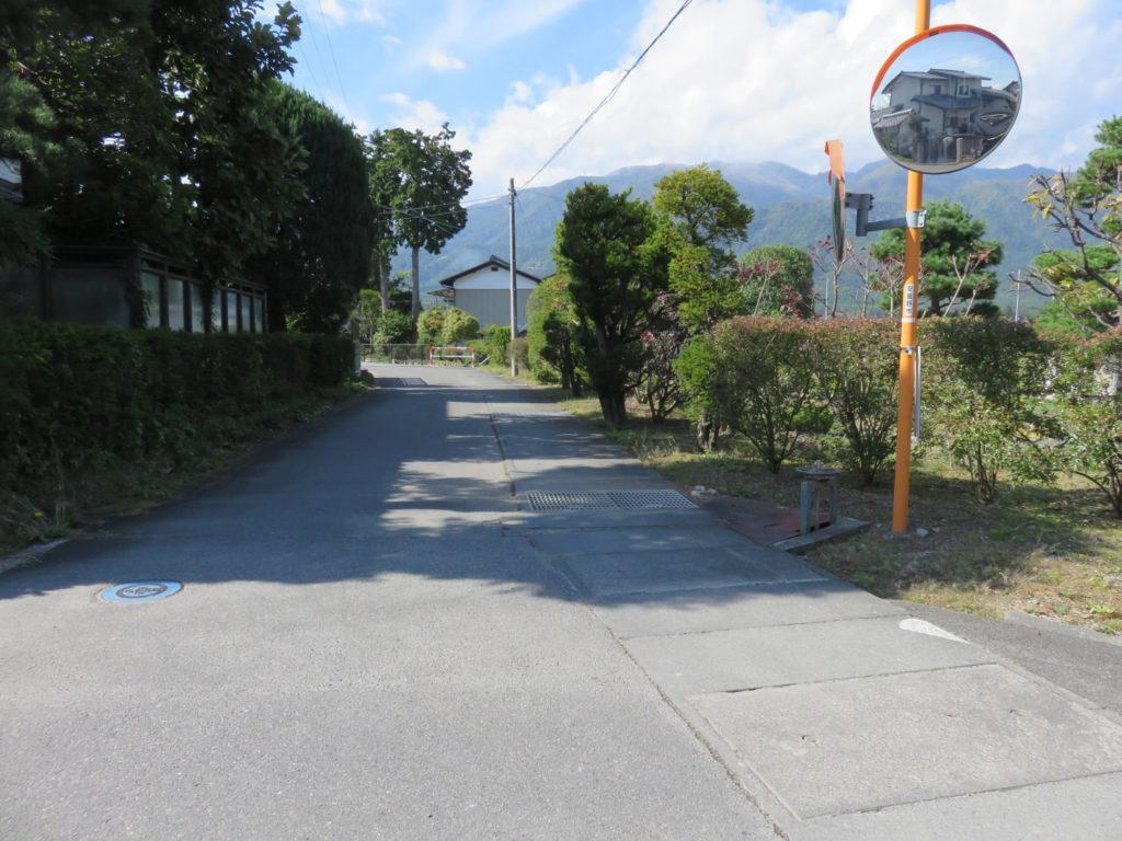 南側に接する道路 H30.10撮影